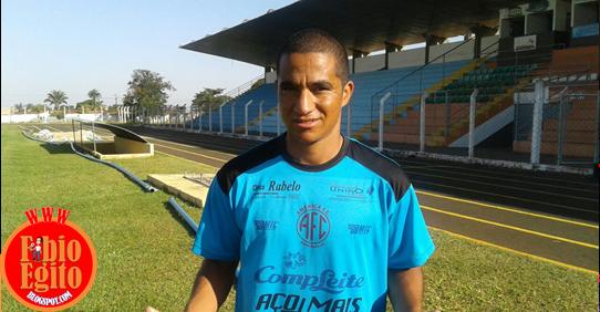 Max Pardalzinho acerta com América e volta a jogar em Morrinhos