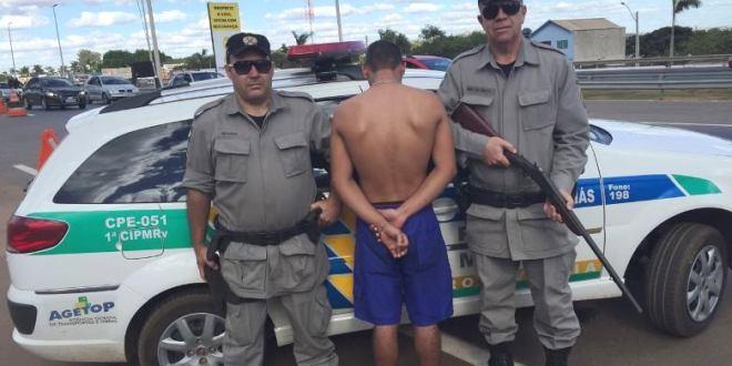 Polícia Rodoviária Estadual detém homem por porte ilegal de arma de fogo