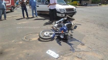 Homem é ferido após acidente de moto