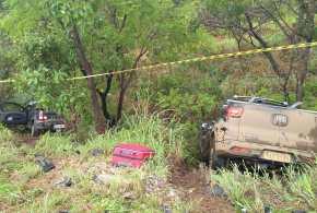Três pessoas morrem após acidente entre Fiat Strada e Fiat Toro BR-040 em Cristalina-GO
