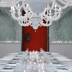 "Projetos publicados no livro ""Tham ma da: The Adventurous Interiors of Paola Navone"""