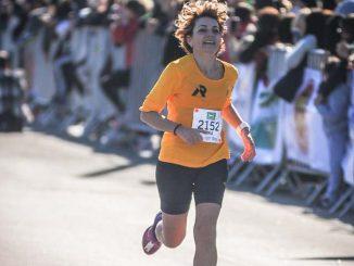 Yara Achôa na Maratona de Porto Alegre