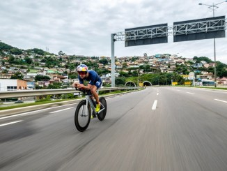 Igor Amorelli na fase do ciclismo do Ironman Brasil de 2018