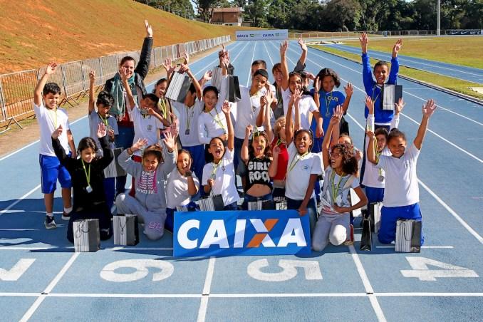 Alunos de escola pública de Bragança Paulista em vista ao Centro Nacional de Desenvolvimento do Atletismo (Wagner Carmo/CBAt/Divulgação)