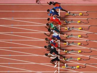 Largada de uma bateria dos 100m do Mundial de Doha. Foto IAAF