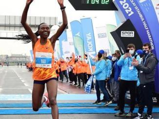 Com 1h04m02s, a queniana Ruth Chepngetich vence a Meia Maratona N Kolay, em Istambul, com direito a recorde mundial. (Divulgação)