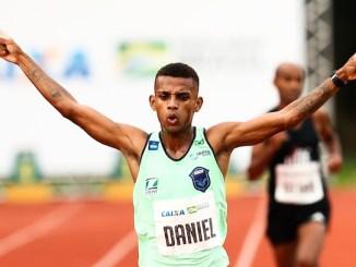 Daniel Nascimento consegue índice olímpico para maratona com vitória em Lima. (Foto de Wagner Carmo/CBAt/Divulgação)
