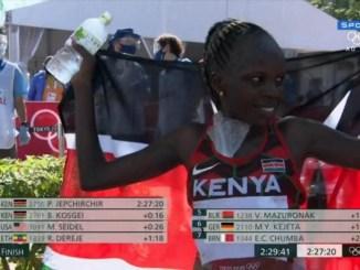 A queniana Peres Jepchirchir, campeã da maratona olímpica do Jogos de Tóquio. (Reprodução/Sportv)