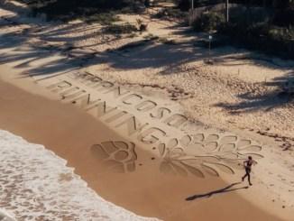 Mata verde, praias, falésias, manguezais, seringal e trilhas fazem parte do cenário da Trancoso Running. (Foto de Theo Bueno:Divulgação)