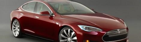 Tesla S la berlina di lusso completamente elettrica