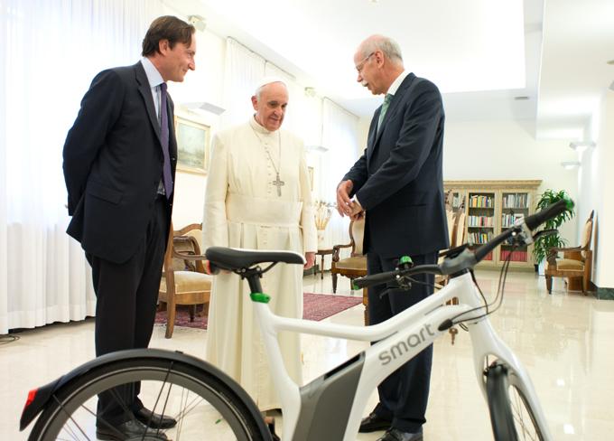 Papa Francesco Smart ebike