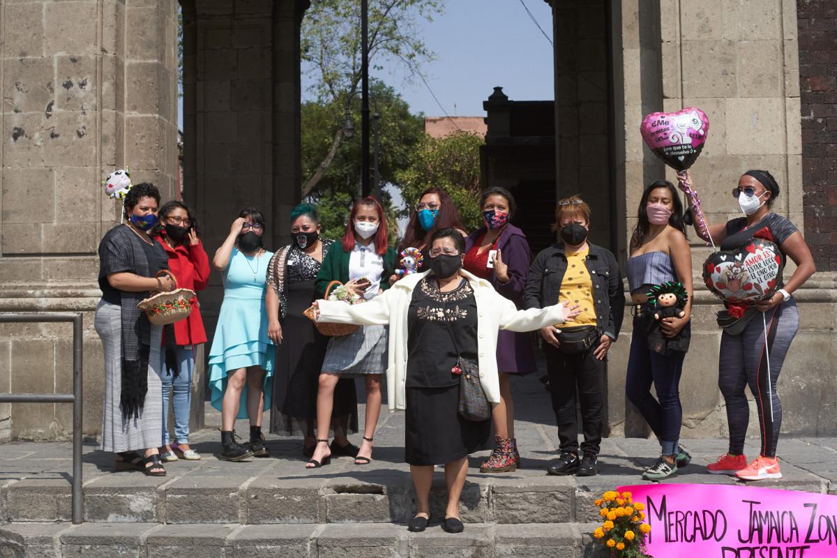 Mujeres contra el cierre de mercados en CDMX