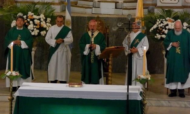 """""""Ser cristiano es seguir a Jesús, respondiendo a su llamado de amor"""" Homilía Mons. Stanovnik"""