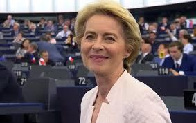 URSULA VON DER LEYEN ELETTA PRESIDENTE DELLA COMMISSIONE EUROPEA.