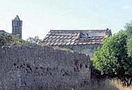 L'abbazia di Santa Maria Kàlena in stato d'abbandono