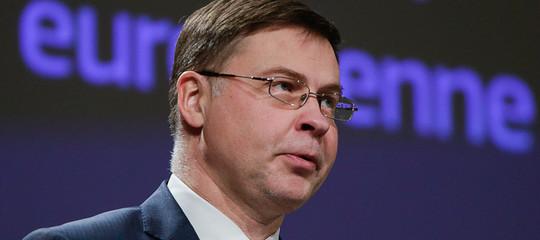 """Dombrovskisbacchetta l'Italia: """"Politica fiscale sia responsabile"""""""