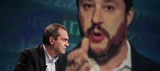La polemica tra Salvini e deMagistrisdopo la bomba alla pizzeriaSorbillo