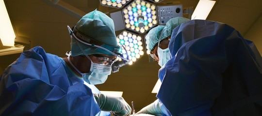 lampadina uccide batteri ospedali
