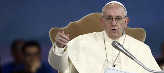 La paura è all'origine delle dittature e i migranti sono un dono, ha detto il Papa