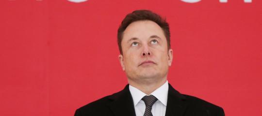 Muskrilancia la sua sfida e pubblicanuovamentei brevetti di Tesla su Twitter