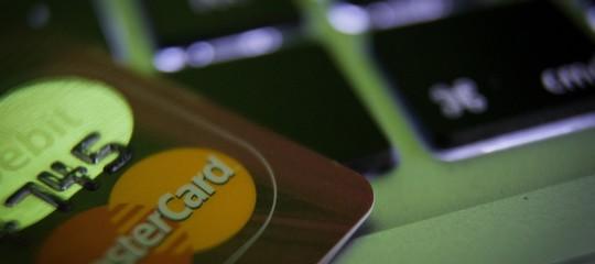 Perché in Italia nove volte su dieci si usa il contante per pagare