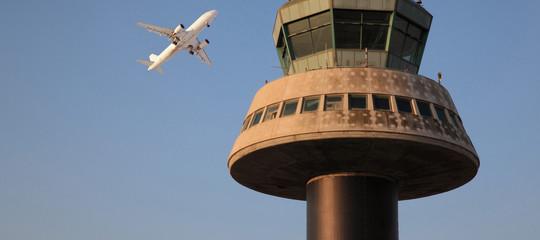 Un giovane italiano è morto all'aeroporto di Barcellona forse cadendo dal tetto