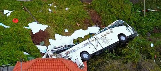 bus ribaltato portogallo turisti morti