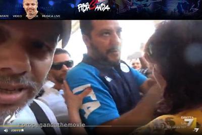 Diego Bianchi spintonato dalla sicurezza di Matteo Salvini