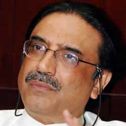 Pakistan: Supreme Court at odds with the government over Zardari corruption case