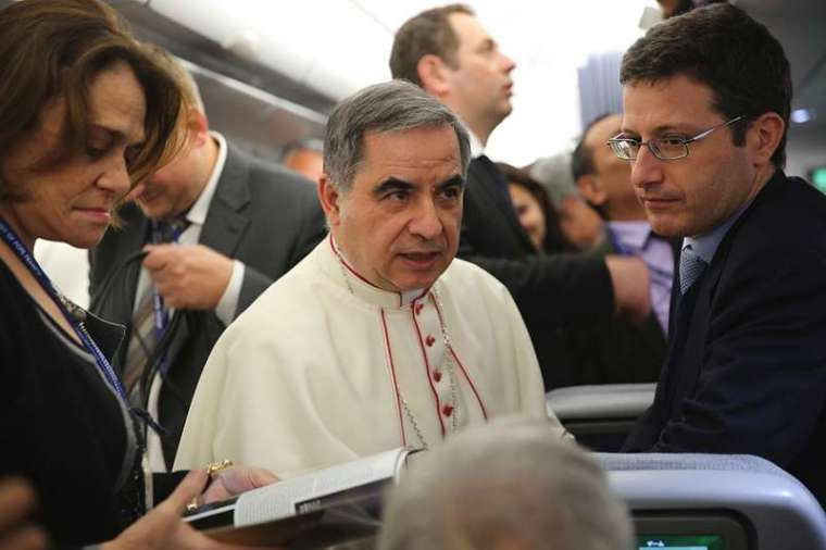 Vatican: Cardinal Becciu at centre of financial investigation