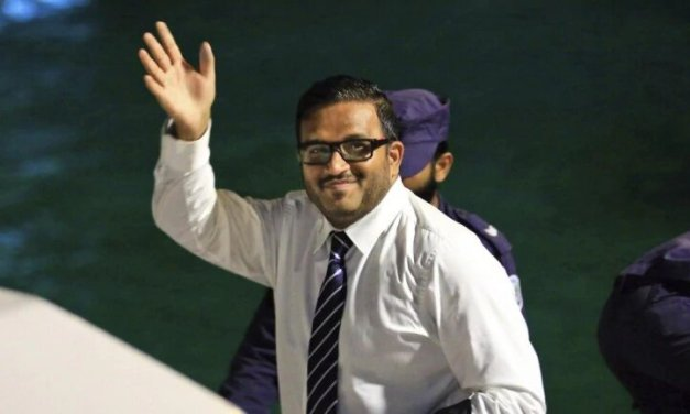 Maldives: Ex-vice president detained on arrival by boat in India