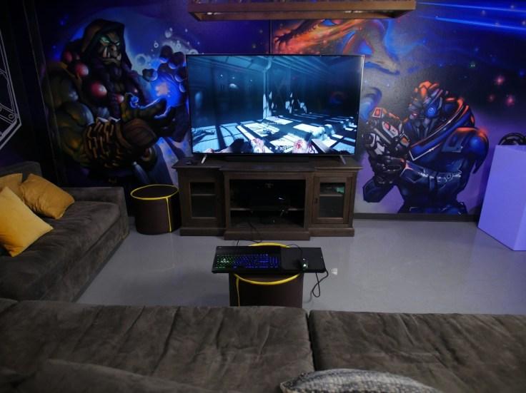 hq_lapdog_livingroom