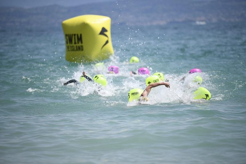 Swimtheisland Sirmione, 900 Nuotatori in gara sul Lago di Garda