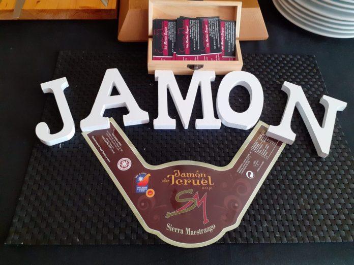 IVÁN MARTÍNEZ CORTADOR DE JAMÓN ZARAGOZA