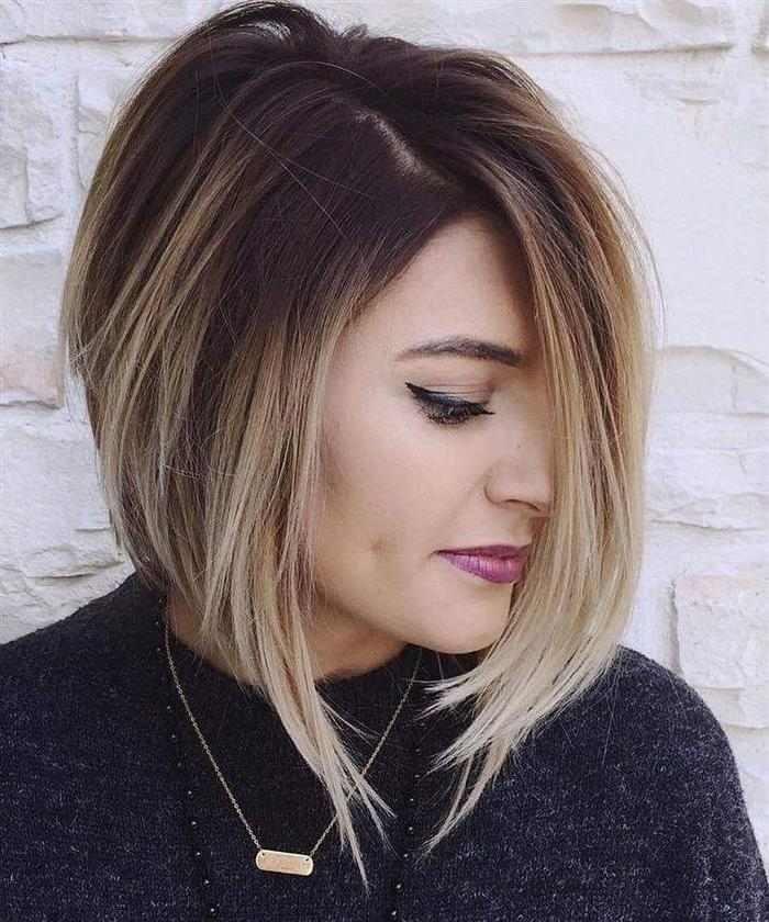 cabelo com mechas loiras