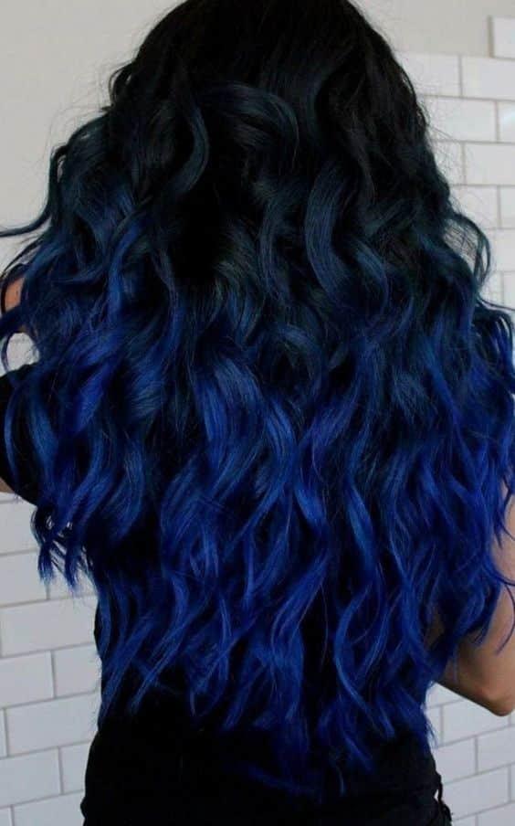 Cabelo na cor Azul