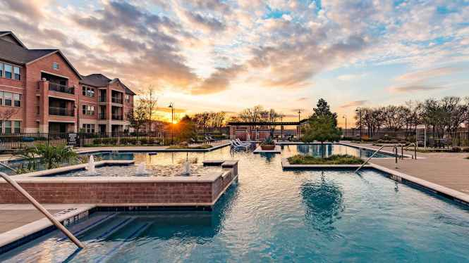 Apartments For In Farmers Branch Tx Cortland Waters Edge