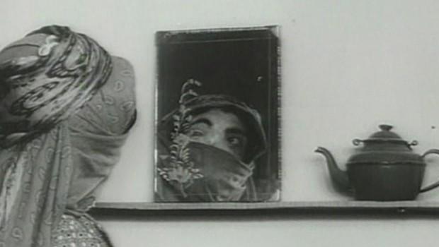 Resultado de imagen de Khaneh siah ast, 1963