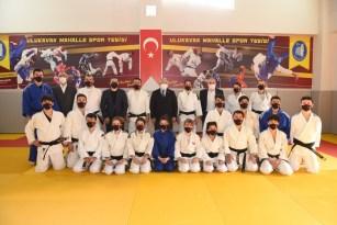 Çorum Belediye Başkanı Aşgın, judoculara dan kuşaklarını verdi