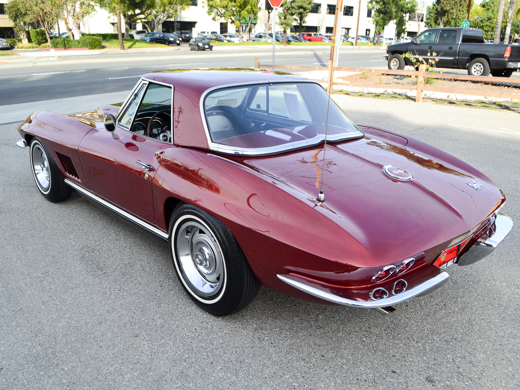 1967 Chevrolet Corvette L71 427 435hp Convertible Marlboro Maroon