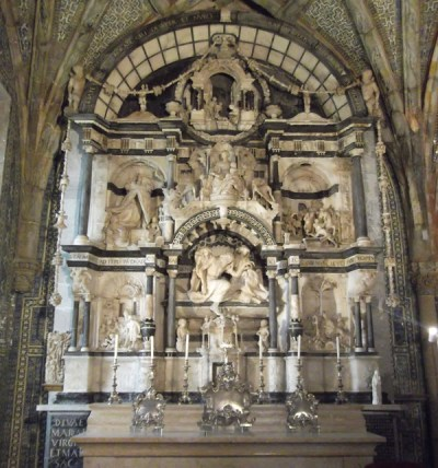 Retable by Nicolau Chanterene.