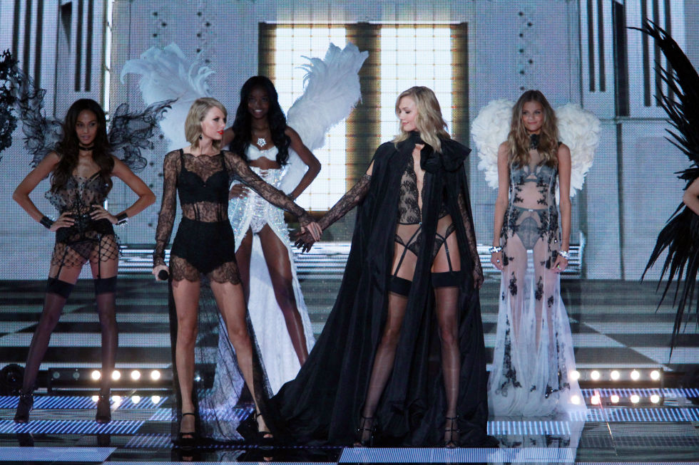 Taylor Swifts Rep Responds To Karlie Kloss Makeout Rumors