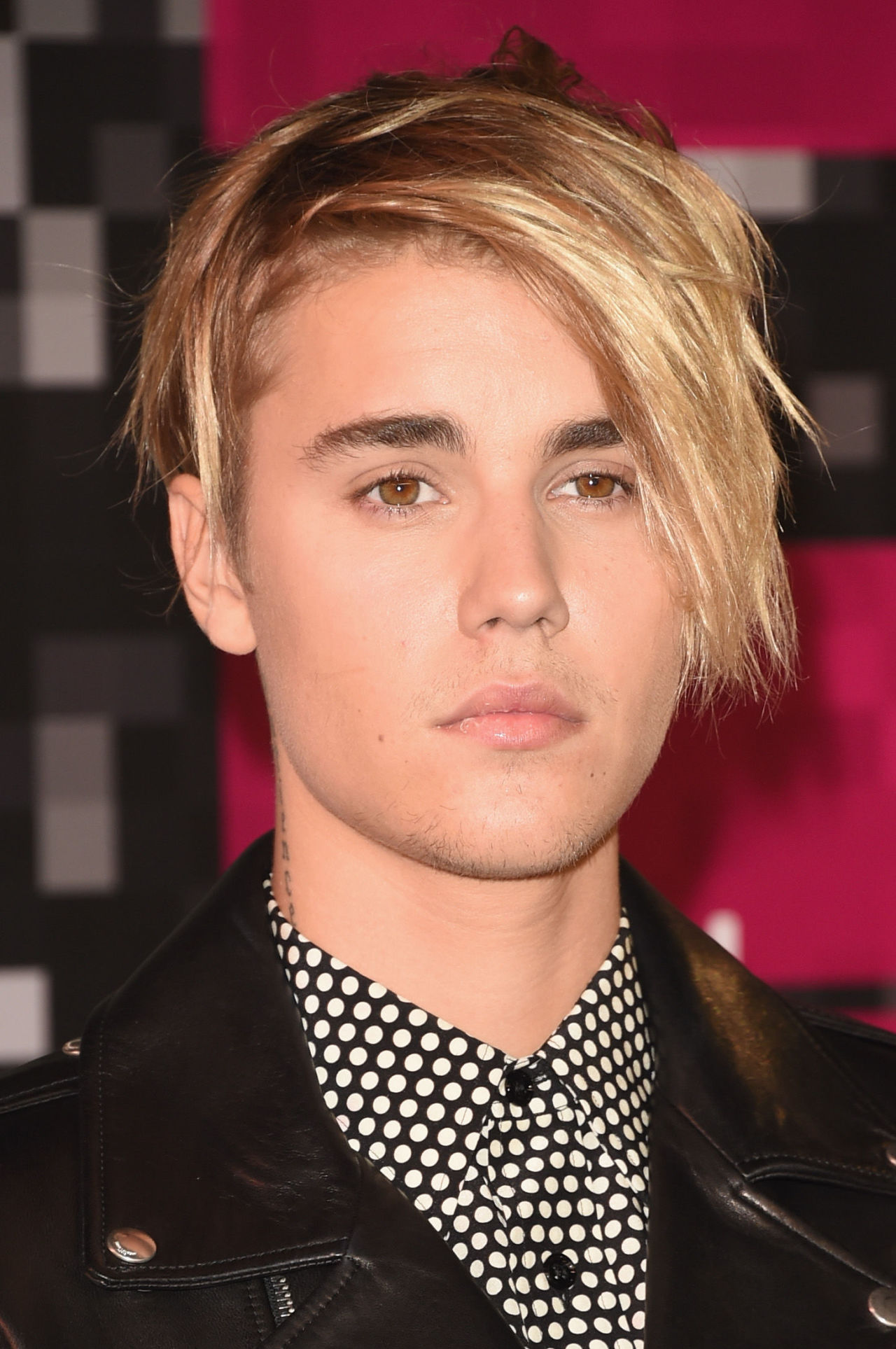 Even Justin Bieber Knows He Cant Pull Off Cornrows  Time