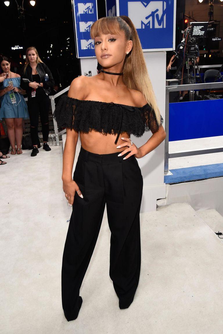 Image result for 2016 vmas Ariana Grande
