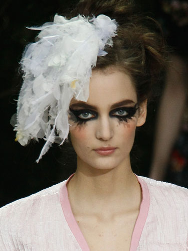 Weird Beauty Trends  Runway Beauty Photos