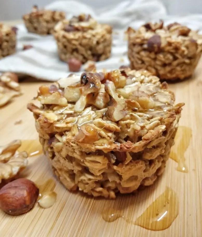 Muffin vegani senza zucchero di avena e frutta secca