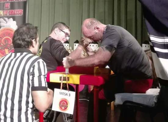 Rafael Aguiar venciendo al actual Campeón de España de la categoría de discapacitados.