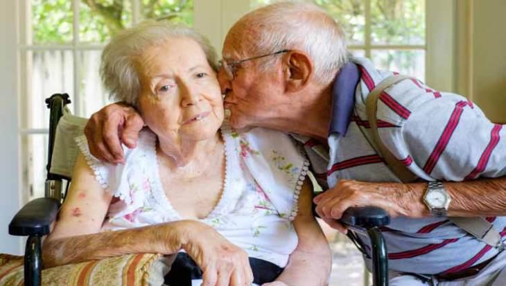 En la fase avanzada el paciente con alzheimer pierde movilidad