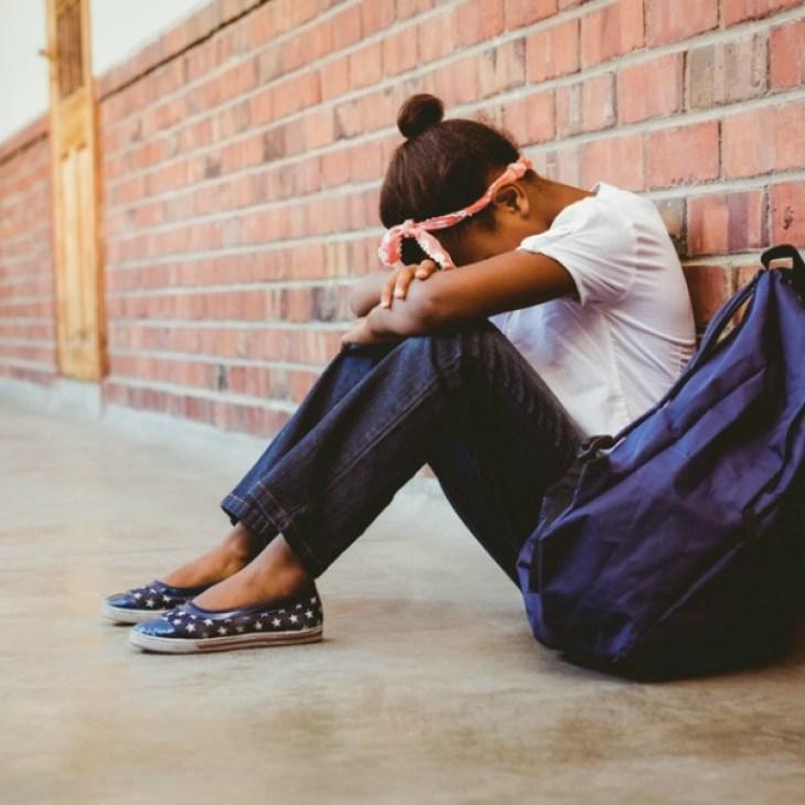 El acoso escolar busca intimidar y aislar a la víctima