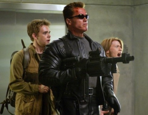 arnold-schwarzenegger-nicholas-stahl-and-claire-danes-in-terminator-3-rise-of-the-machines-shootout